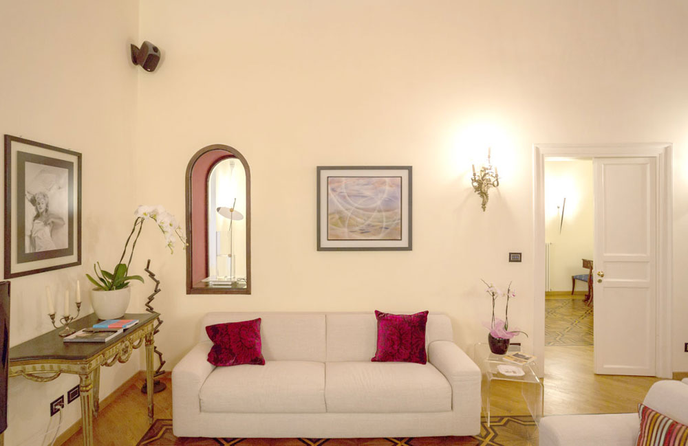 Luxury Apartment in an Historical Palace of XVI, in the heart of Palermo