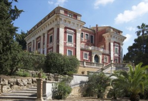 villa_testasecca_esterno_scala_parco_vista_villa